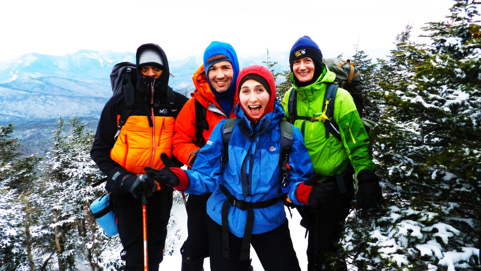 Book your #snowshoeing day TRIP by Wed, Jan 17 #TOhiking @OntarioParks #Parkbus #HuntsvilleON